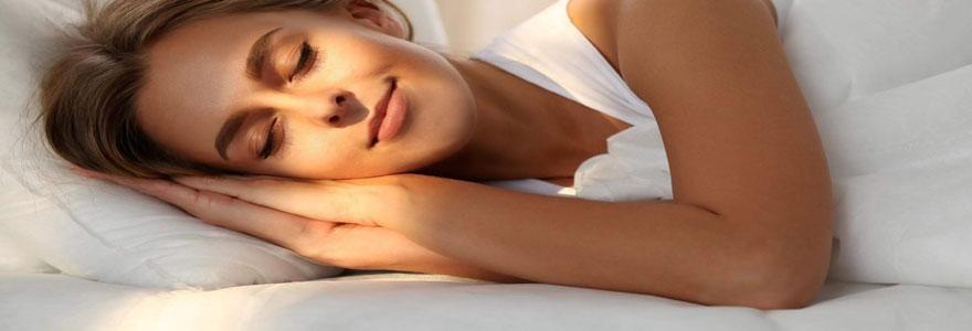 tenue de nuit femme choisir pour dormir
